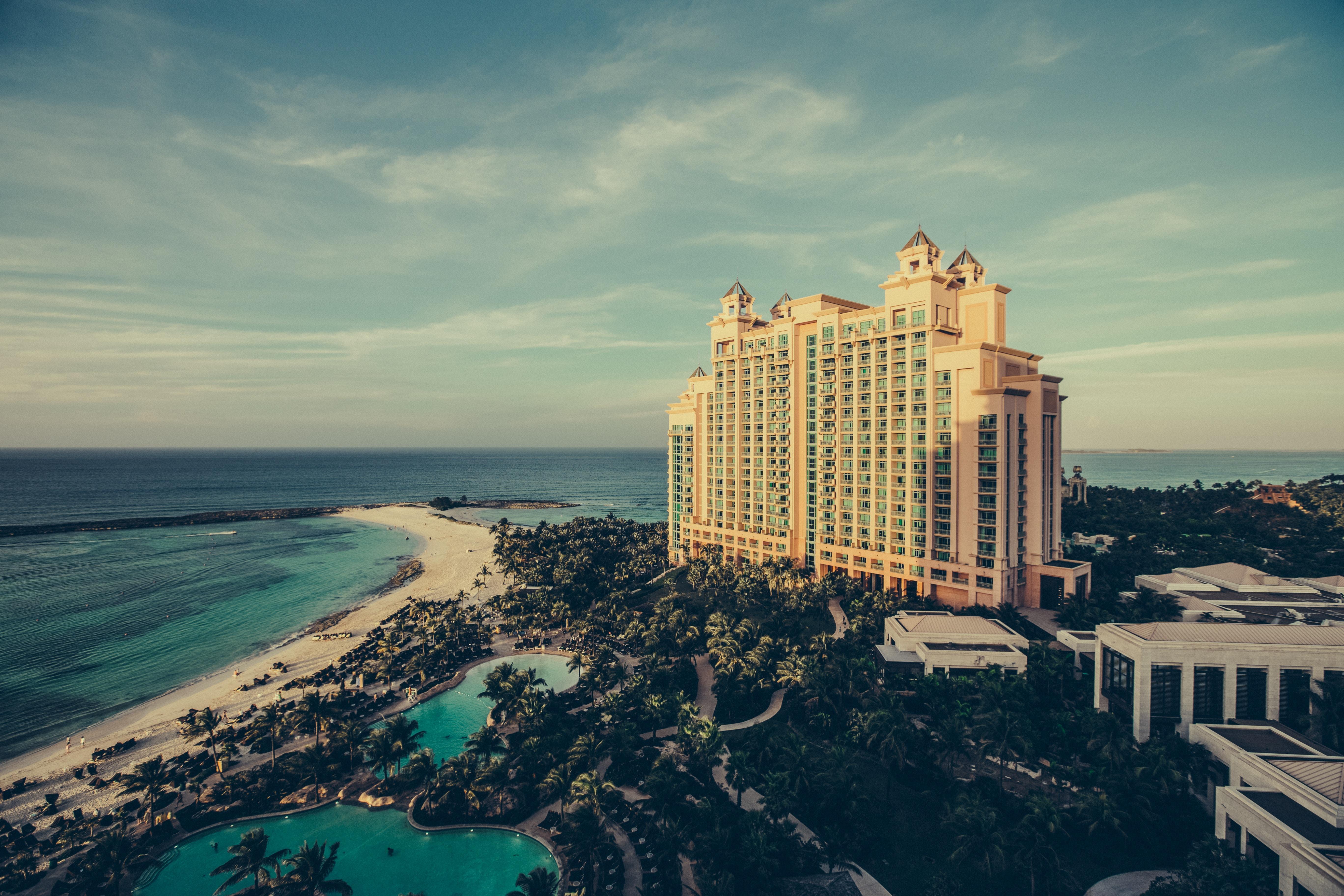 Um Marketingbotschaften auf ihren Social Media-Seiten erfolgreich verbreiten zu können, müssen Hotels die Kunden an ihre Seite binden.