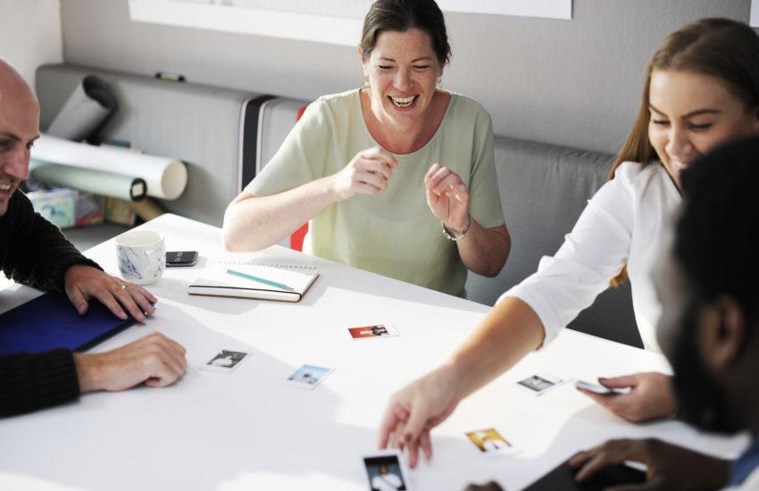 Dialog statt Vortrag - Mit Public Engagement besser vernetzt: Unternehmen, Regierungsbehörden oder Non-Profits - Sie alle nutzen soziale Netzwerke für ihre PR. Welche Auswirkungen hat das?